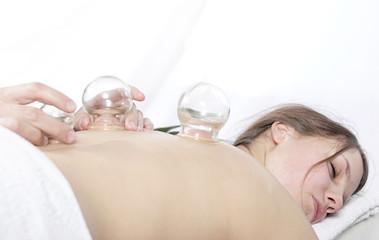 vakuumnyi-massazh